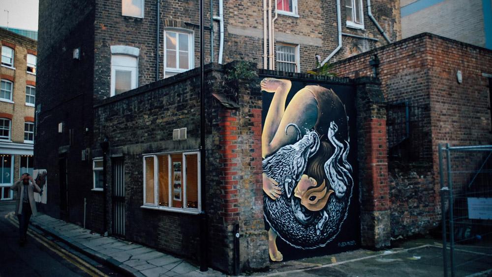 Street art tour in London