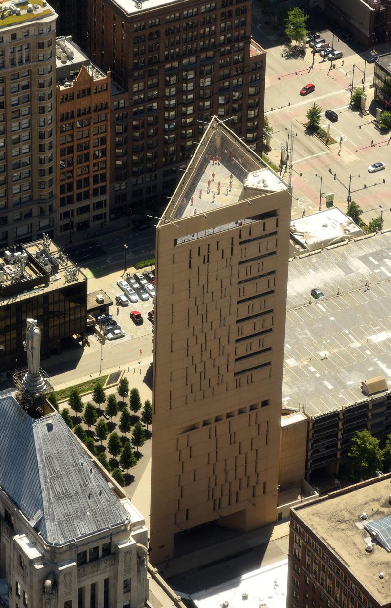 Metropolitan Correctional Center, Chicago