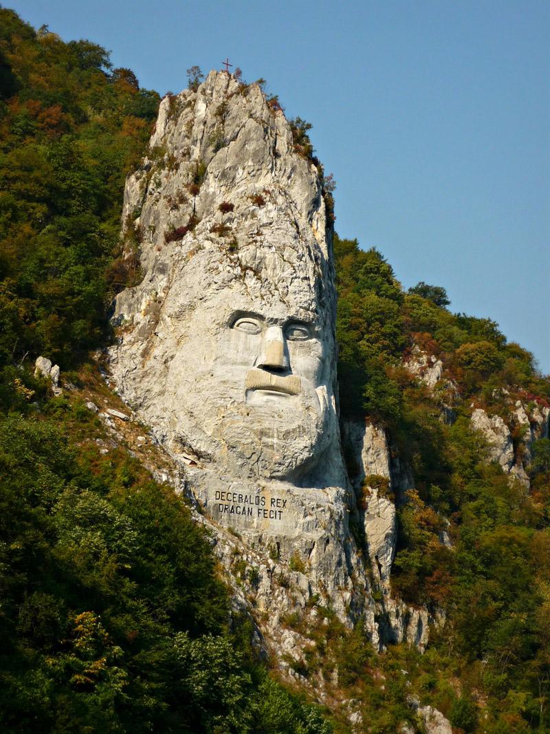 Decebalus Statue