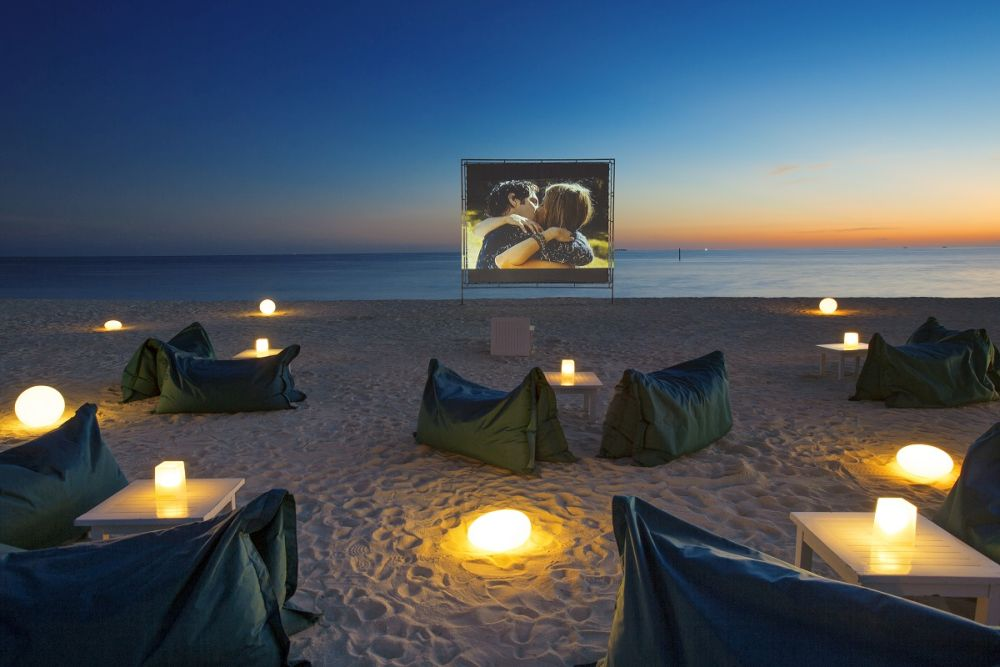 Alfresco beach cinema