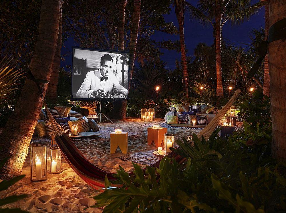 Outdoor cinema in Miami Beach