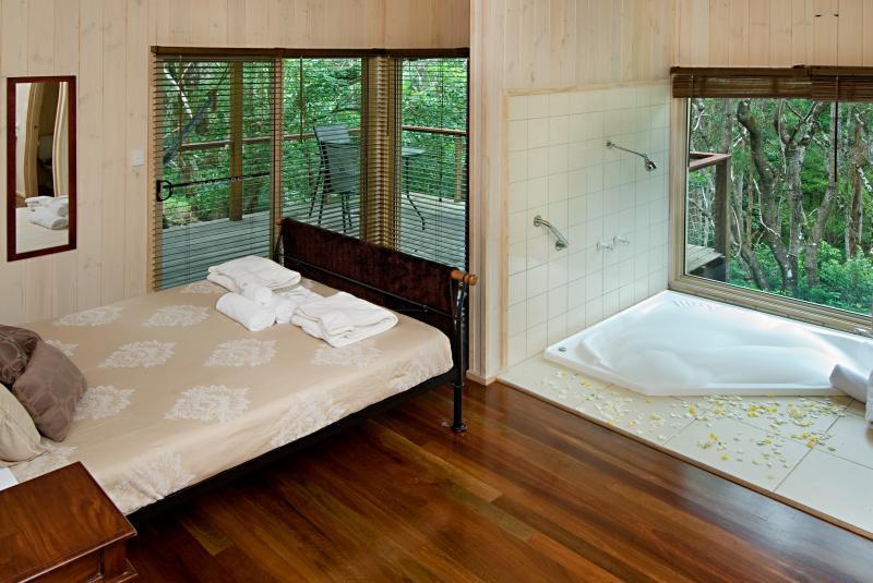 bedroom-treehouse