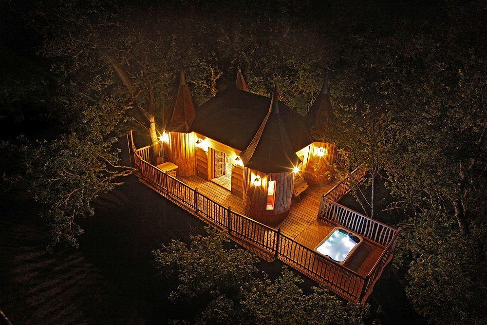 cabin-tree