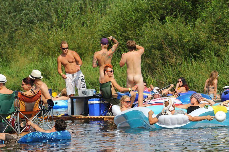 Beer Floating Festival