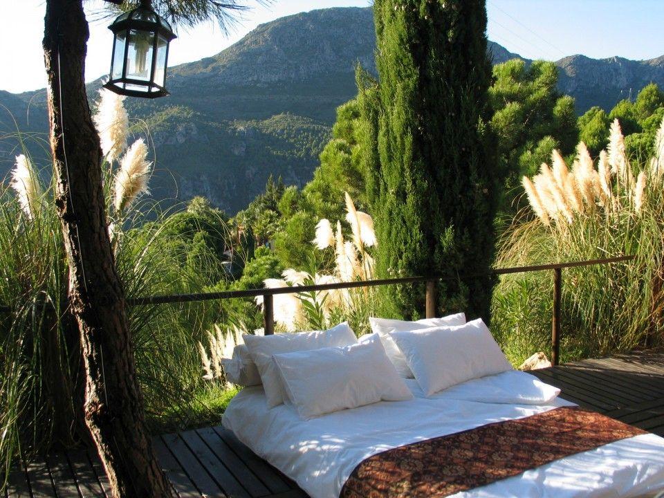 Outdoor Bed