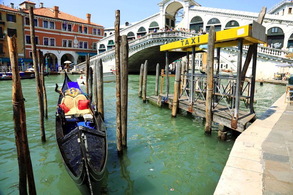 Gondola Taxi, Venice
