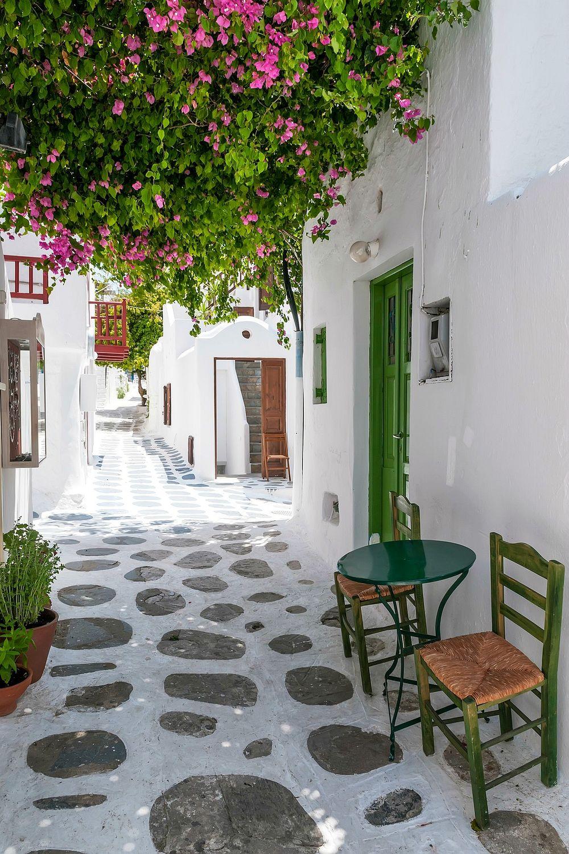 Narrow street in Mykonos
