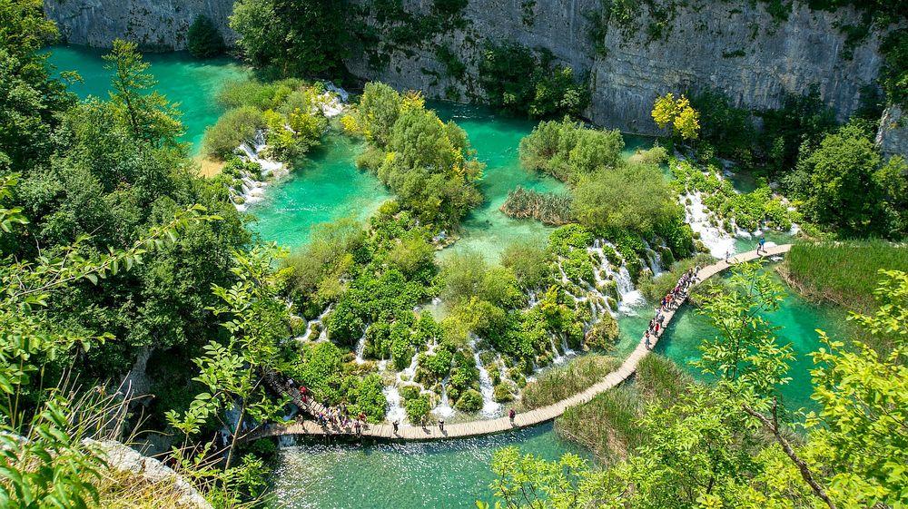 Wooden footbridge in Plitvice Lakes National Park