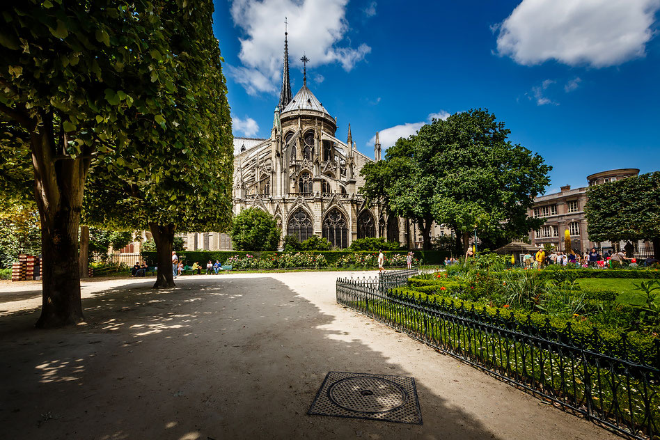 7 Most Beautiful Neighborhoods In Paris