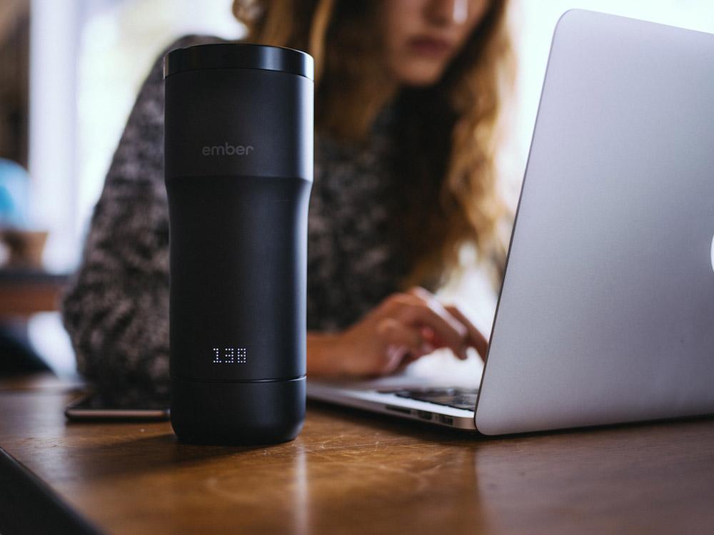 Temperature adjustable mug