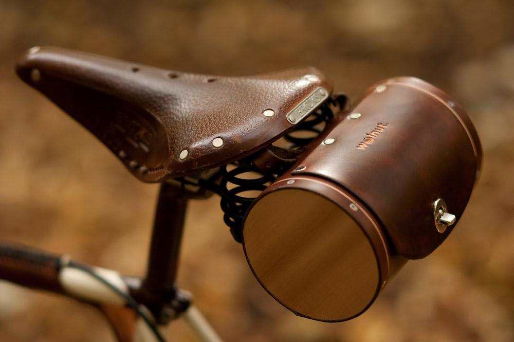 Bicycle saddle leather bag
