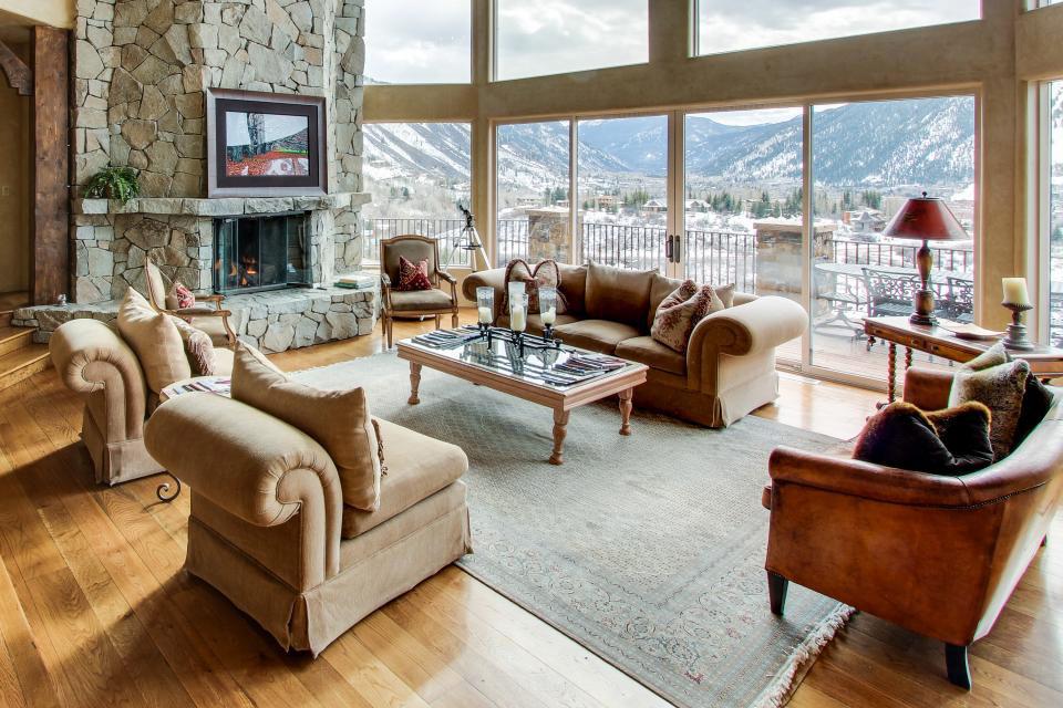 Hilltop cabin in Aspen