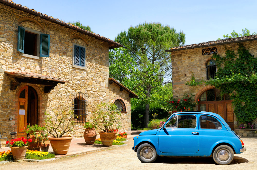 Vintage Fiat 500 in Tuscany