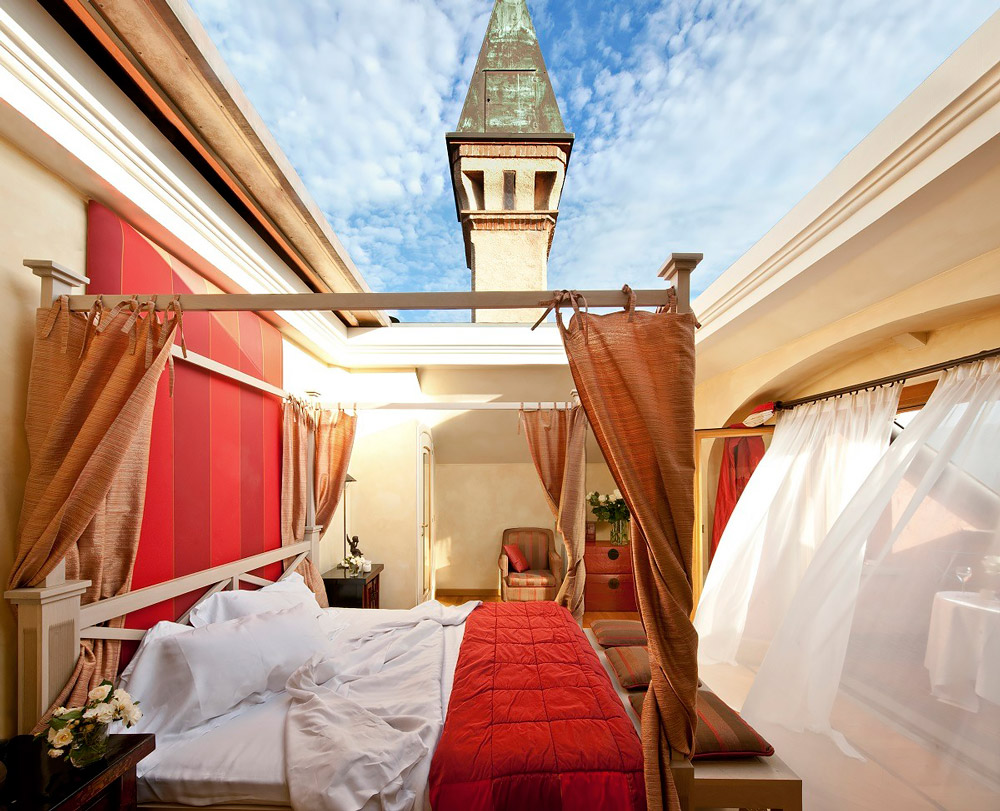 Bedroom with retractable roof