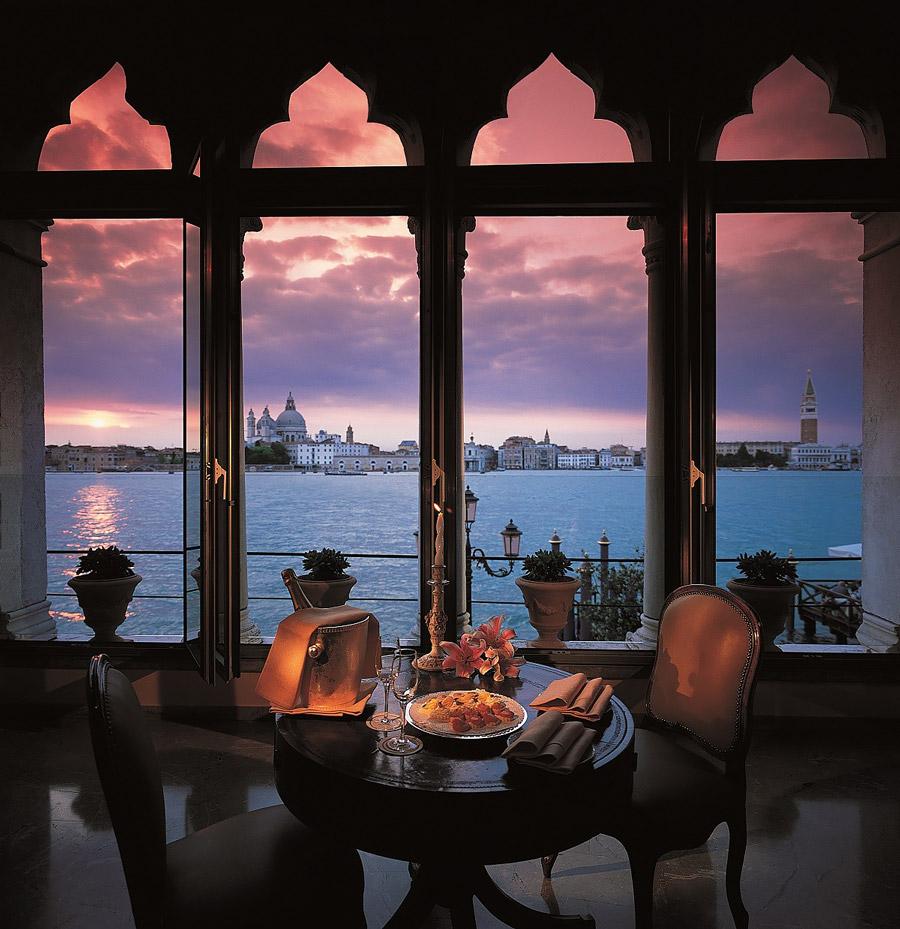 Romantic Venetian palazzo