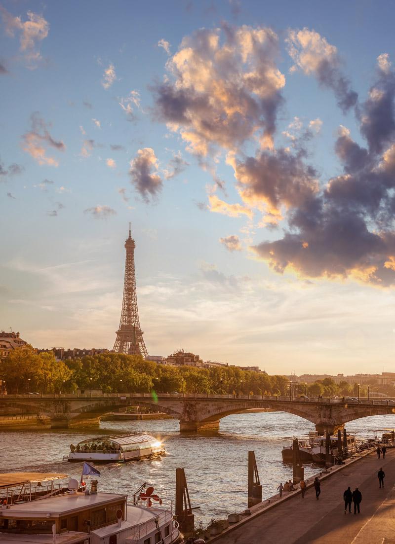 River transport shuttle in Paris
