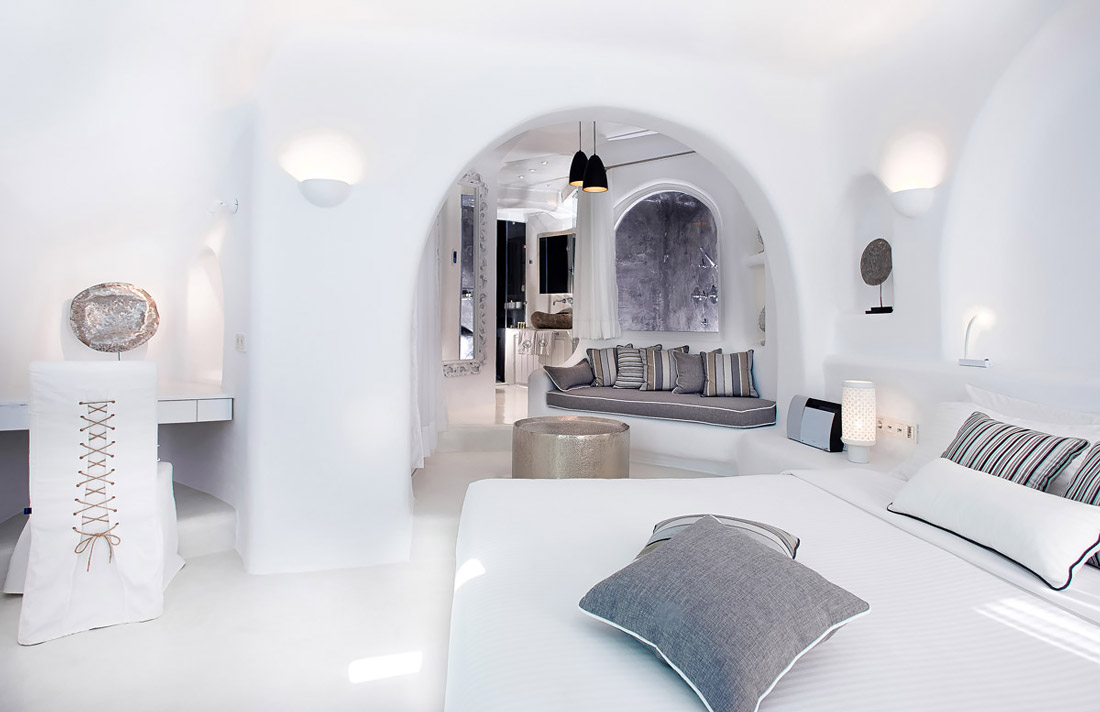 Bedroom and lounge