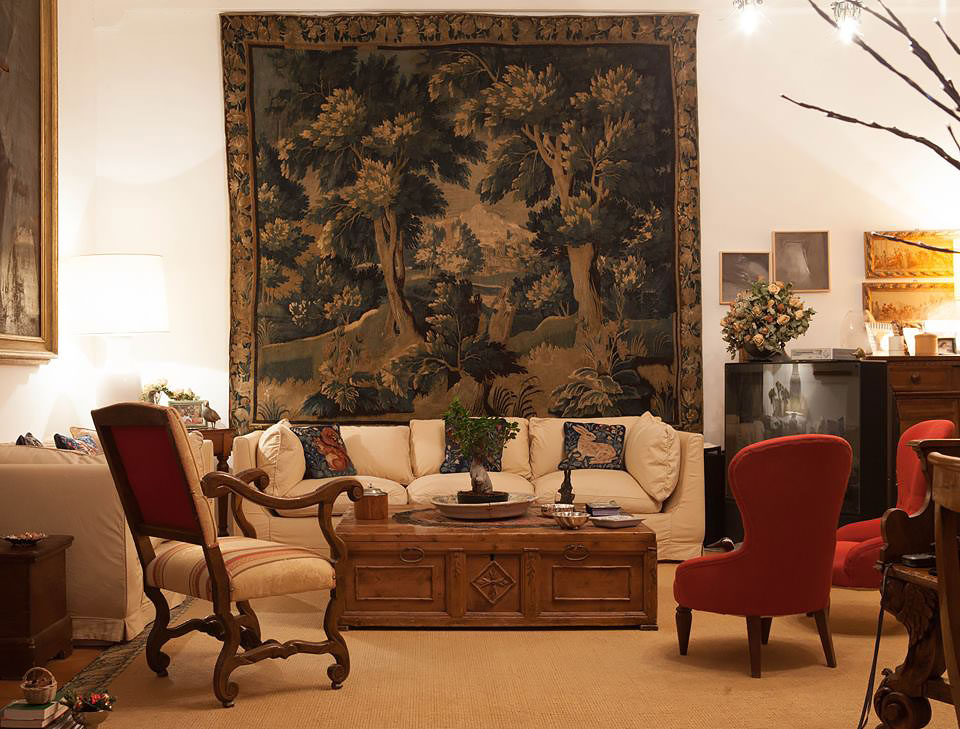 Room with antique furnishings