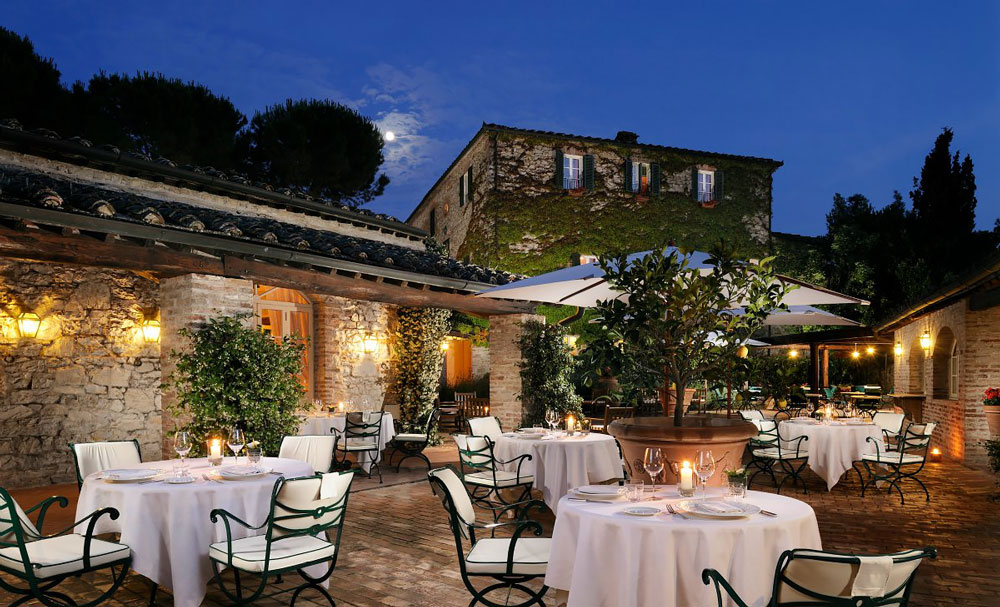 Outdoor restaurant in Chianti