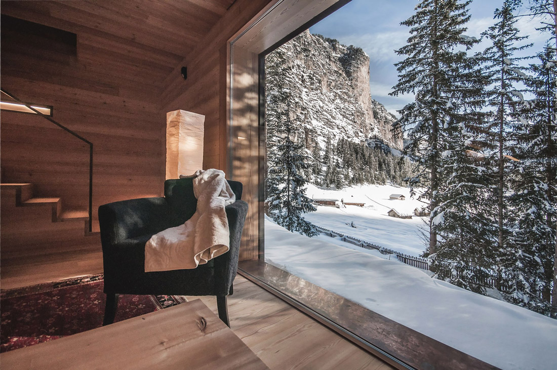 Cabin with glass wall