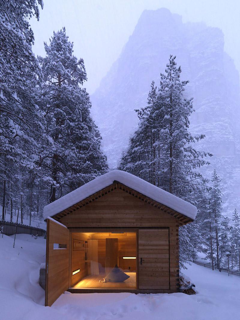 Former hunter's cabin
