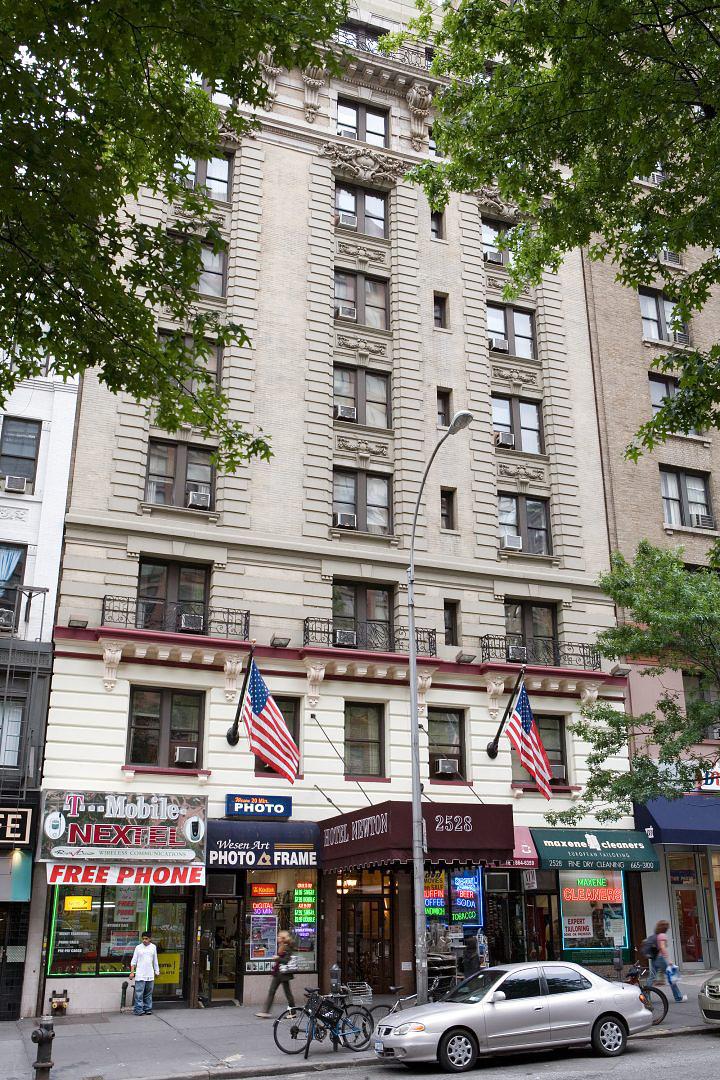 Hotel Newton, near Riverside Park