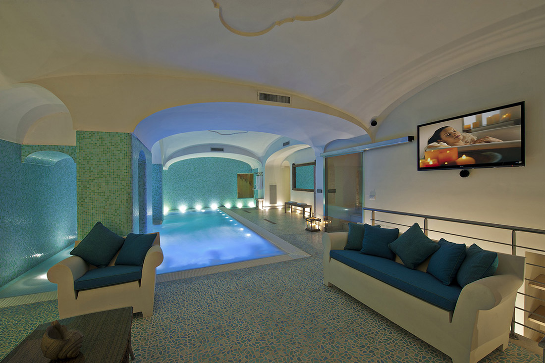 Spa with sauna and indoor pool