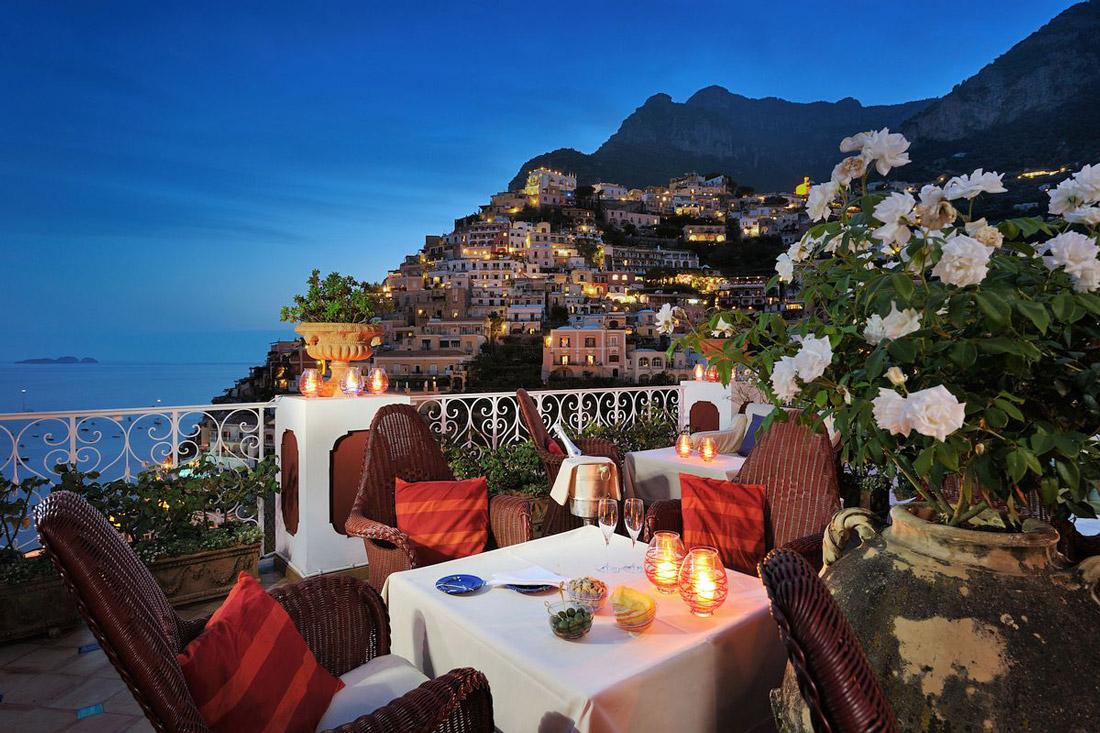 Champagne bar on the Amalfi Coast