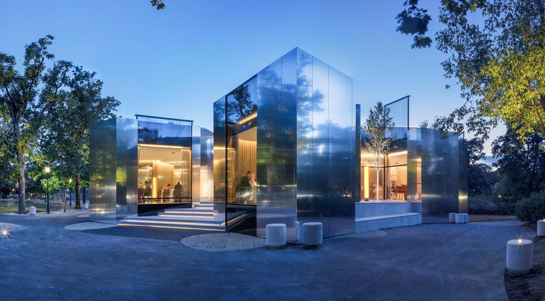 Mirror pavilion in Vienna
