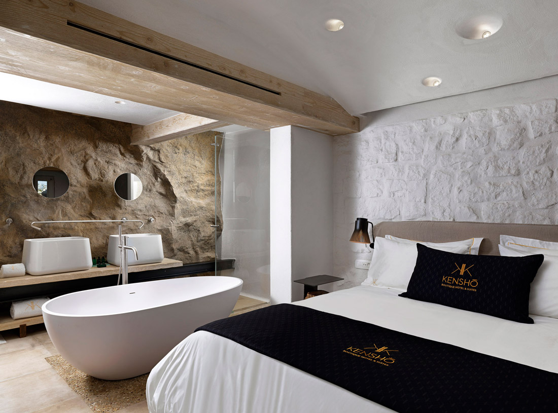 Room with freestanding tub
