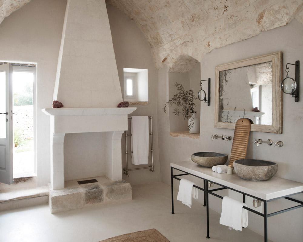Rustic Puglian bathroom