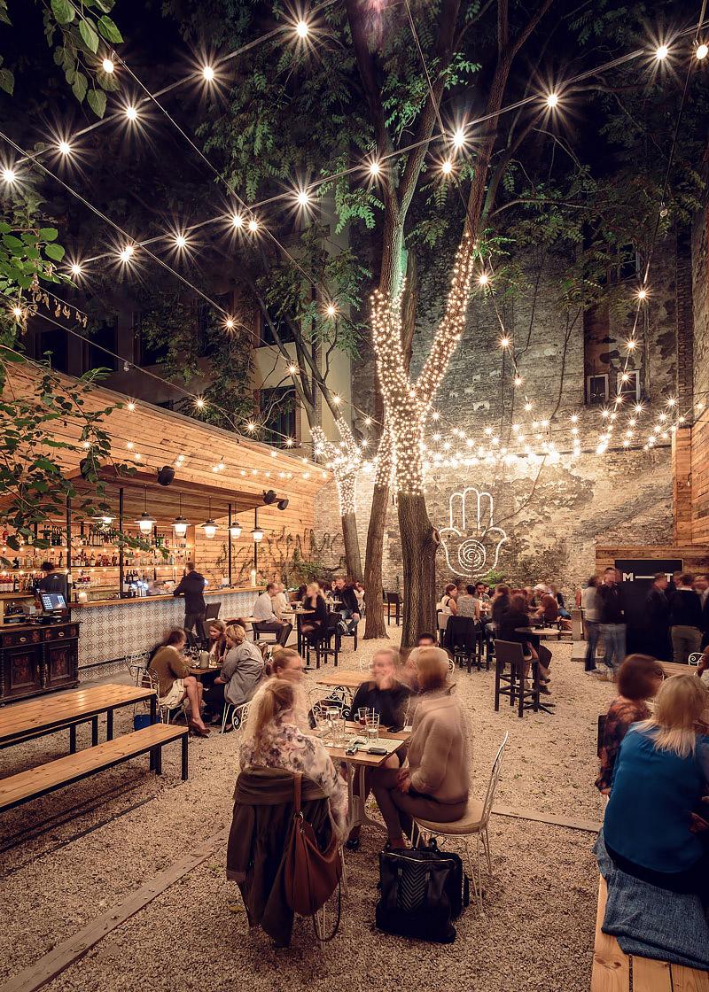 Gastropub in Budapest with alfresco garden