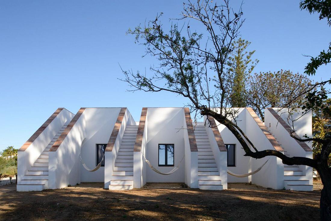 Modernist rural retreat
