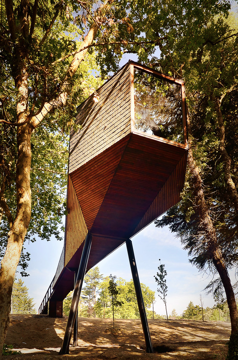 Treehouse hotel in Portugal