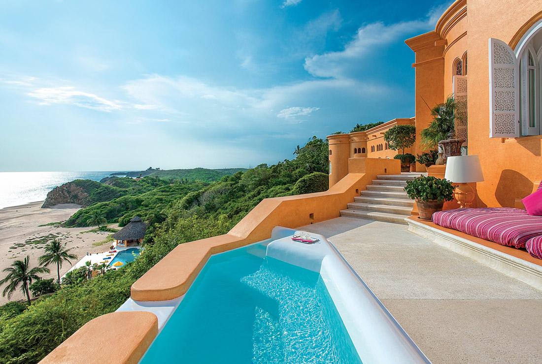 Villa in Mexico with sea views