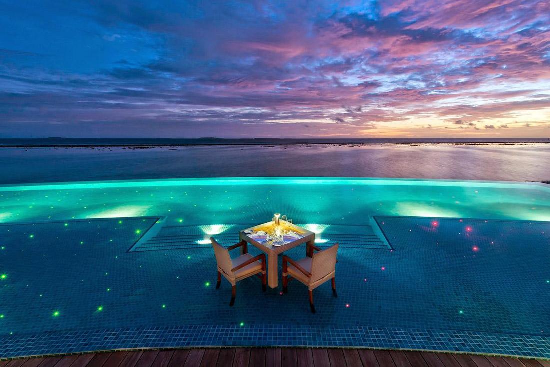 Sunset Pool Café