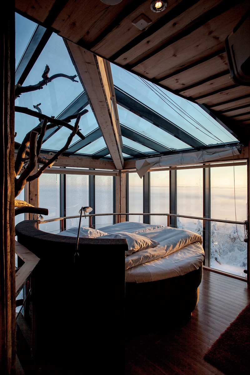 Treehouse bedroom in Finland