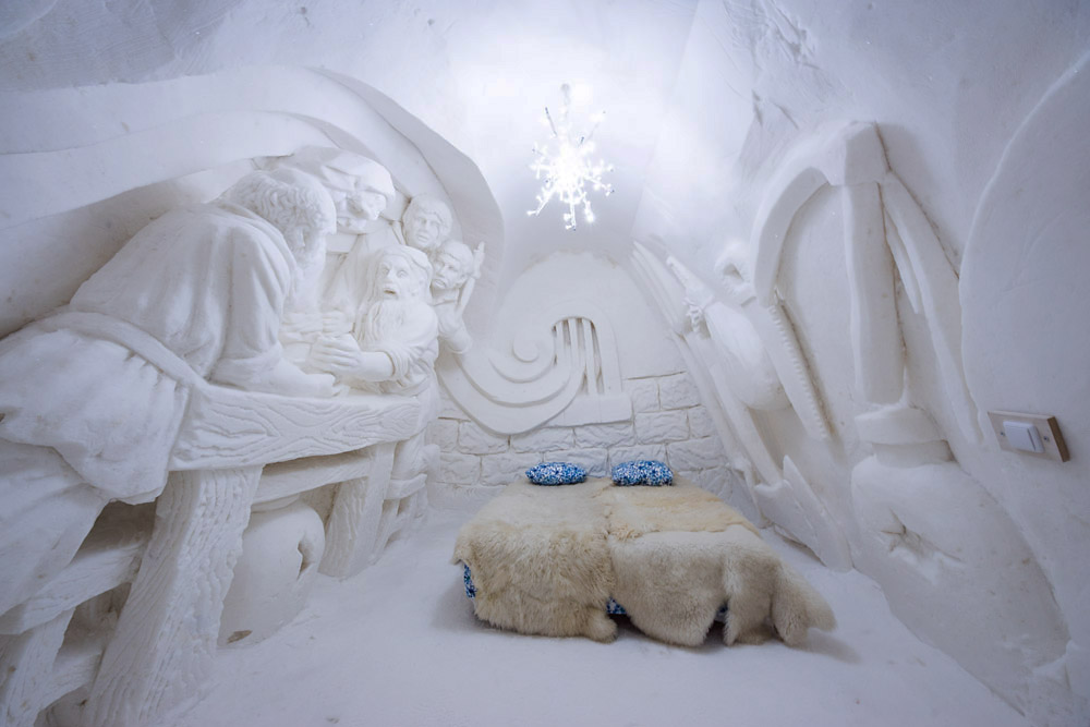 Hotel made of ice