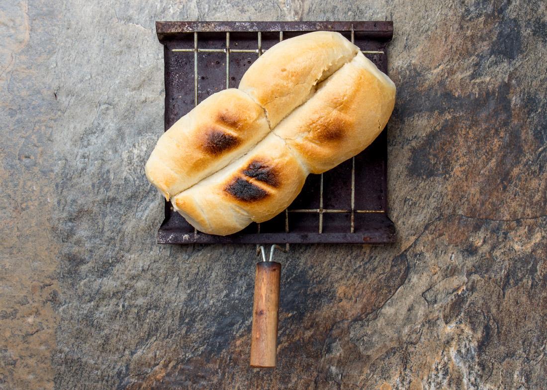 Toasted marraqueta