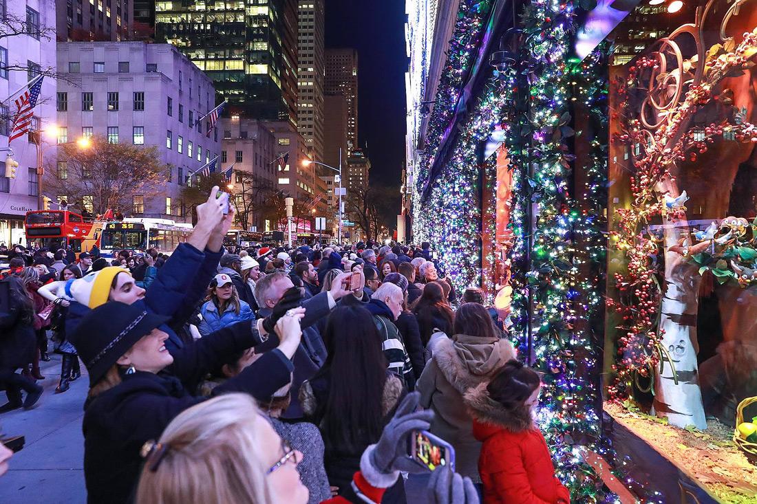 Christmas window displays on 5th Avenue