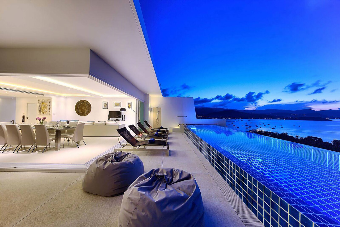 Family-friendly villa with infinity pool