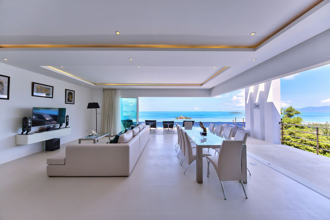 Open-air minimalist living room
