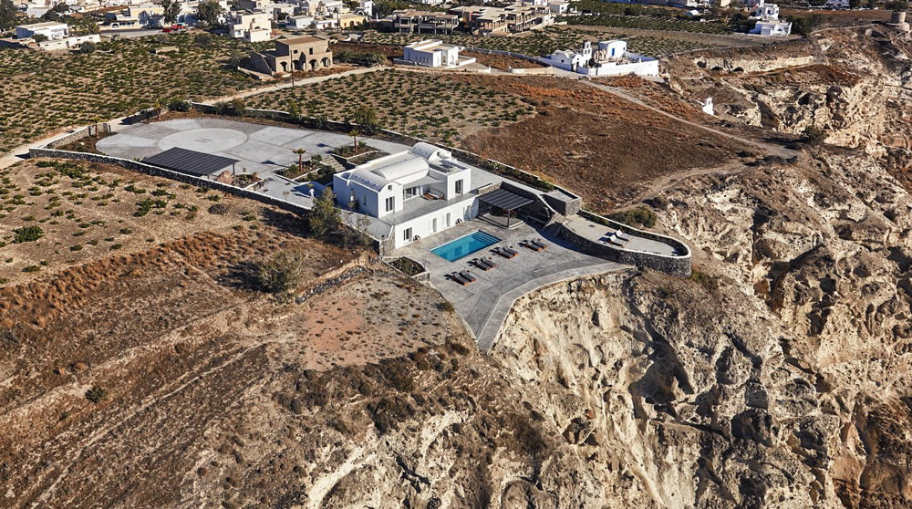 Luxury Santorini villa for rent