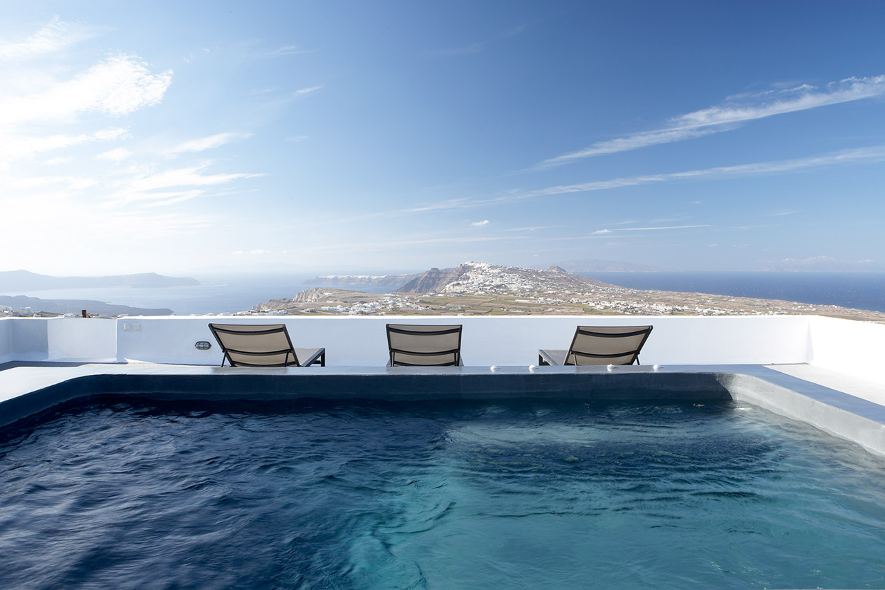 Rooftop pool and terrace