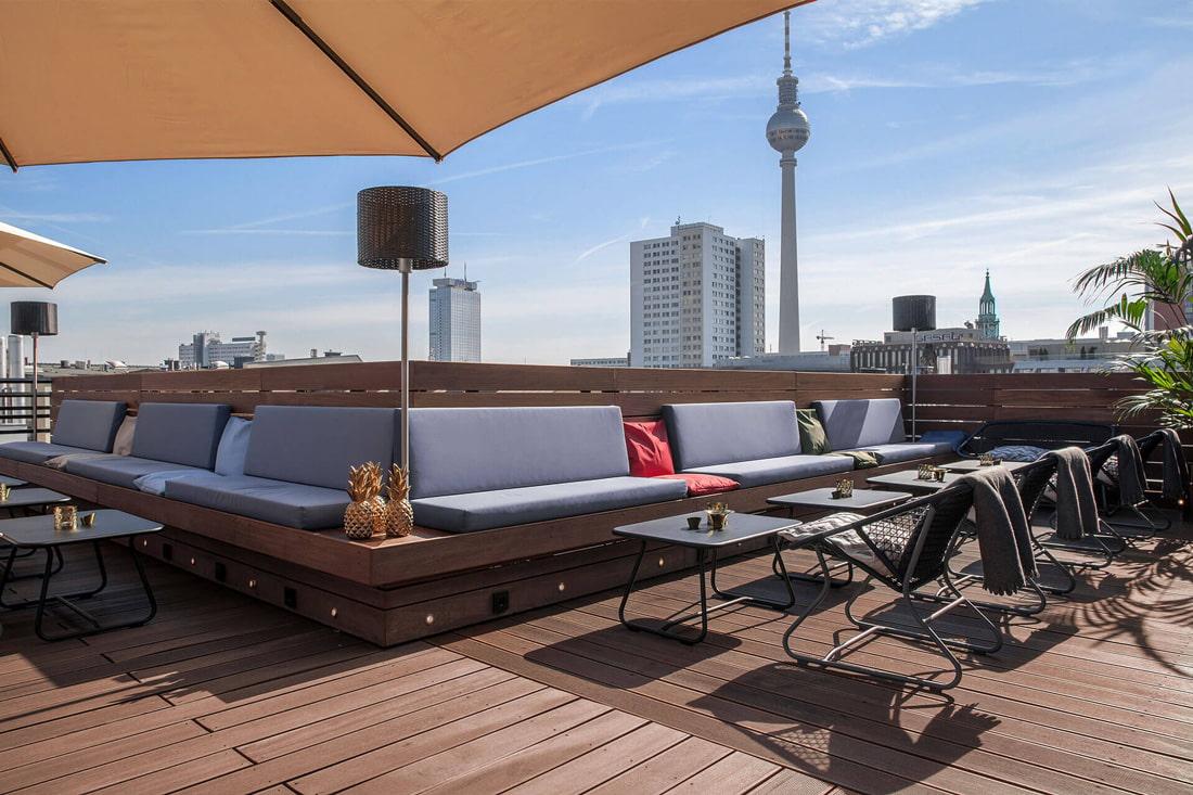 Hotel ZOE's rooftop bar