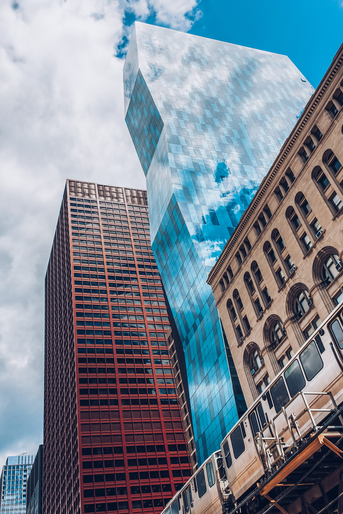 Tall buildings on S Wabash Ave, Chicago