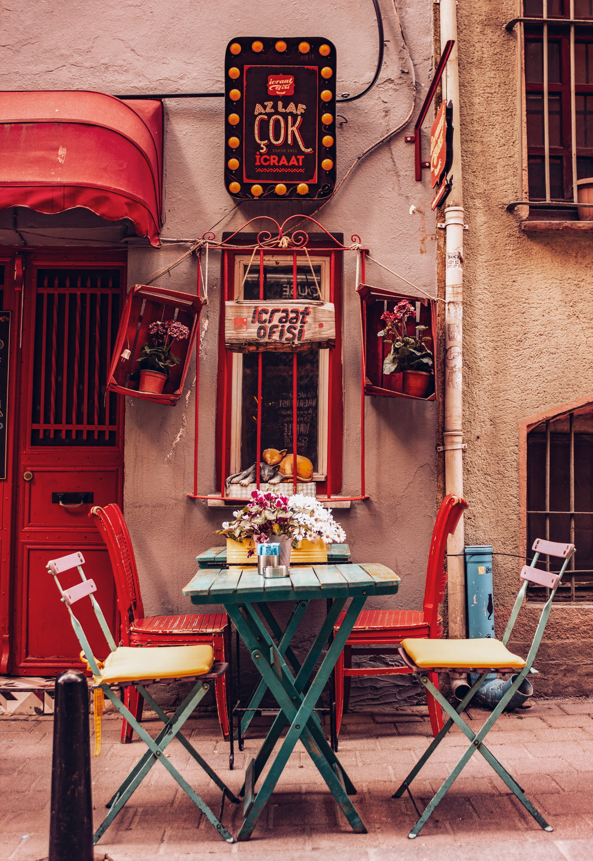 Small coffee shop in Istanbul