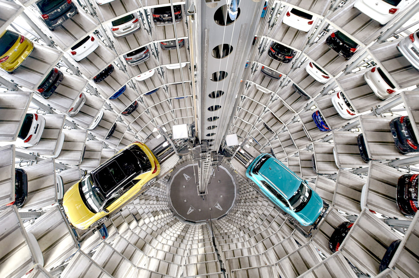 VW Car Tower (AutoTürme)