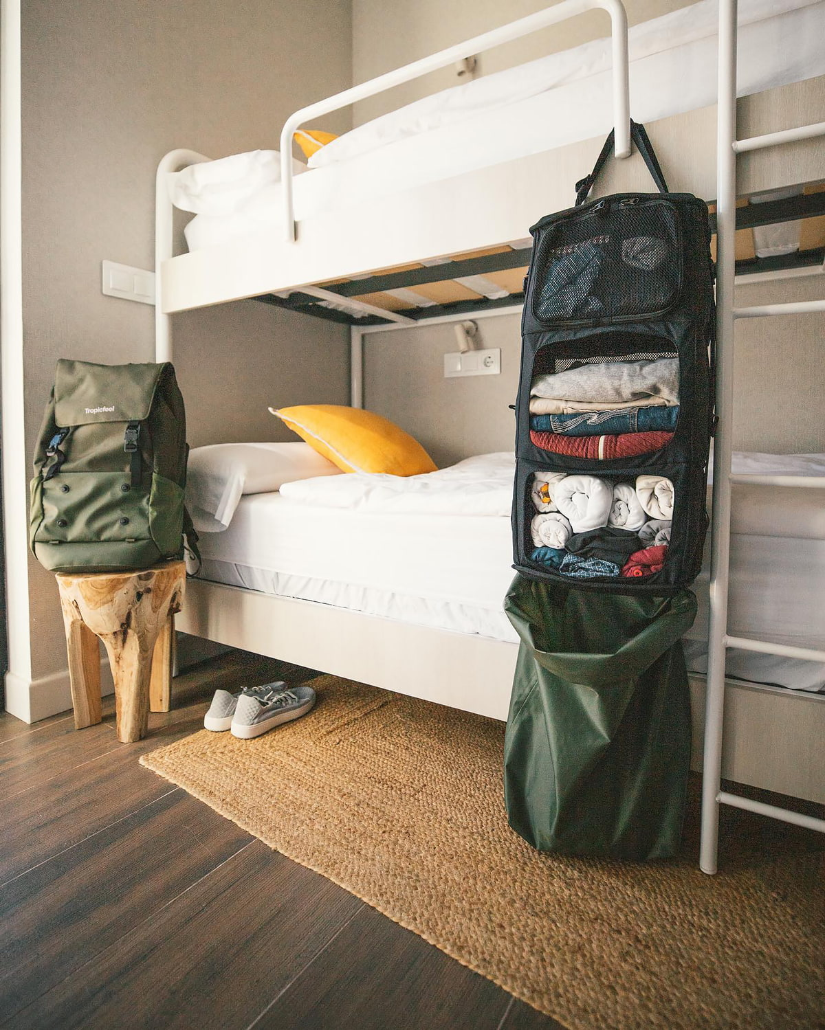 Travel backpack with wardrobe