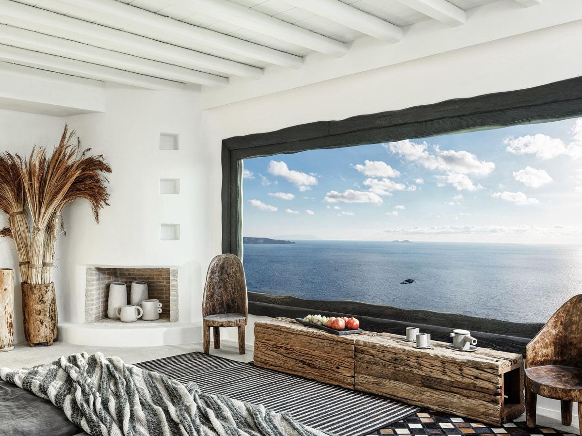 Luxury retreat above Elia Beach